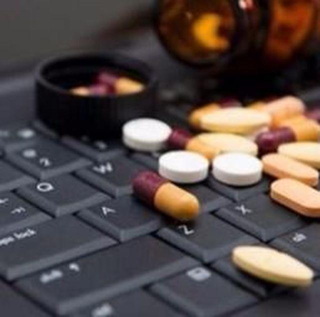 Dalla-farmacia-all'allungo-di-Amazon-negli-Usa