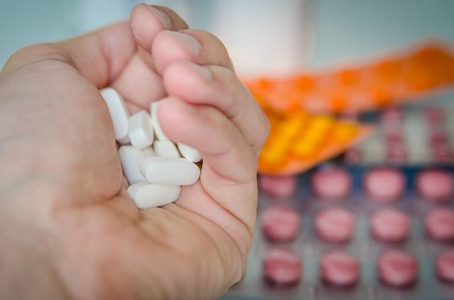 Farmacie:-in-corso-esame-Ddl-Semplificazioni,-attesa-su-emendamento-51%