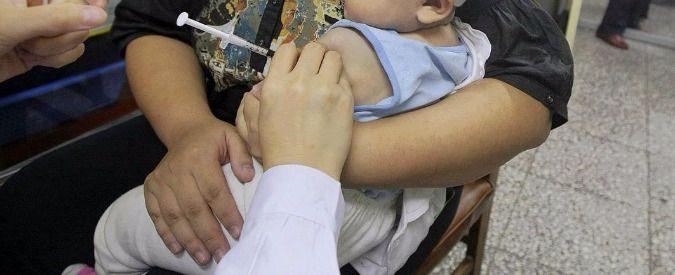 """Vaccini-in-farmacia,-passa-emendamento-al-decreto.-Critici-medici-e-pediatri:-""""Garantire-la-presenza-di-un-medico"""""""
